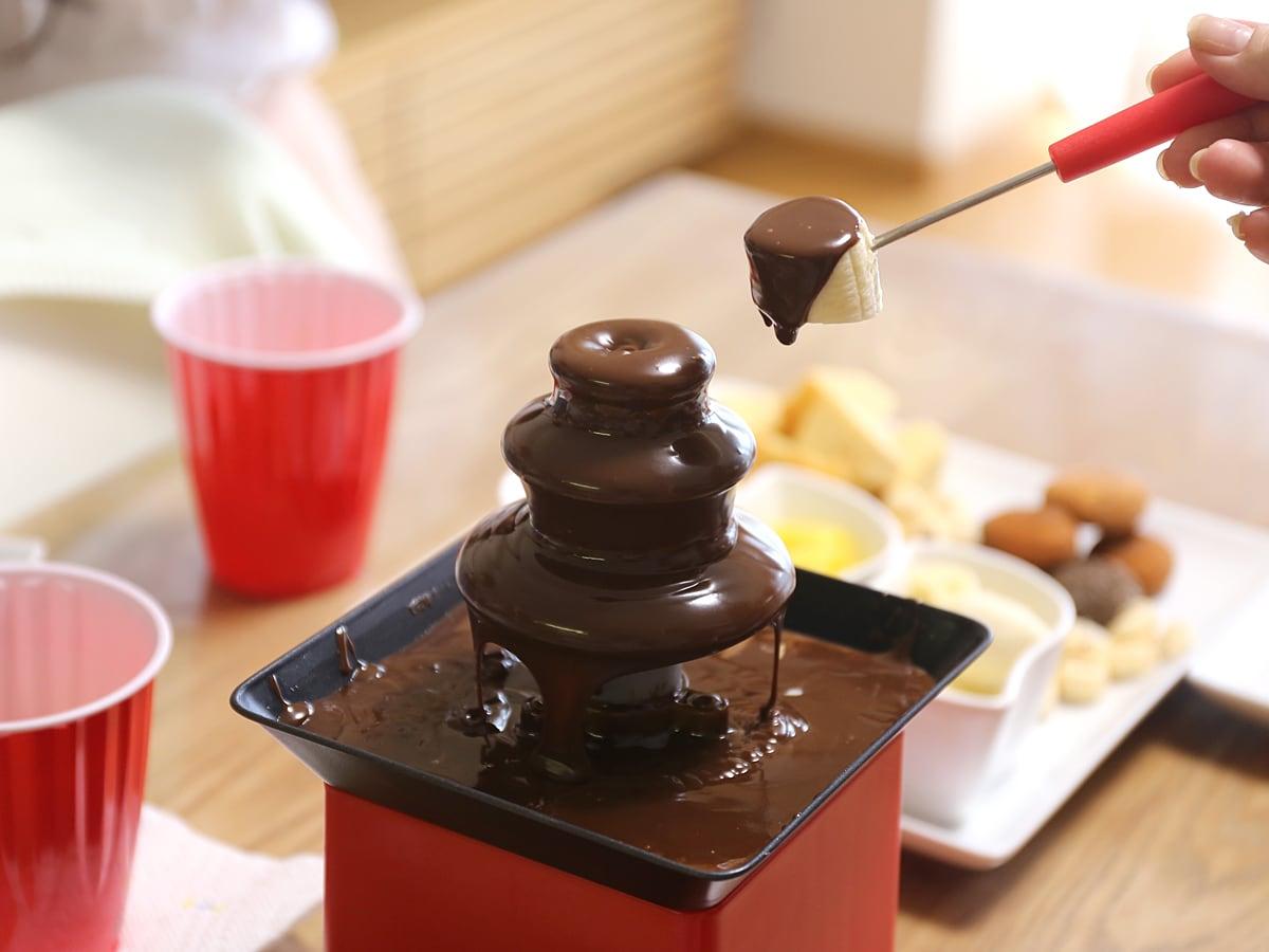 フォンデュブロックタワー チョコレートファウンテン 実際に使っている様子
