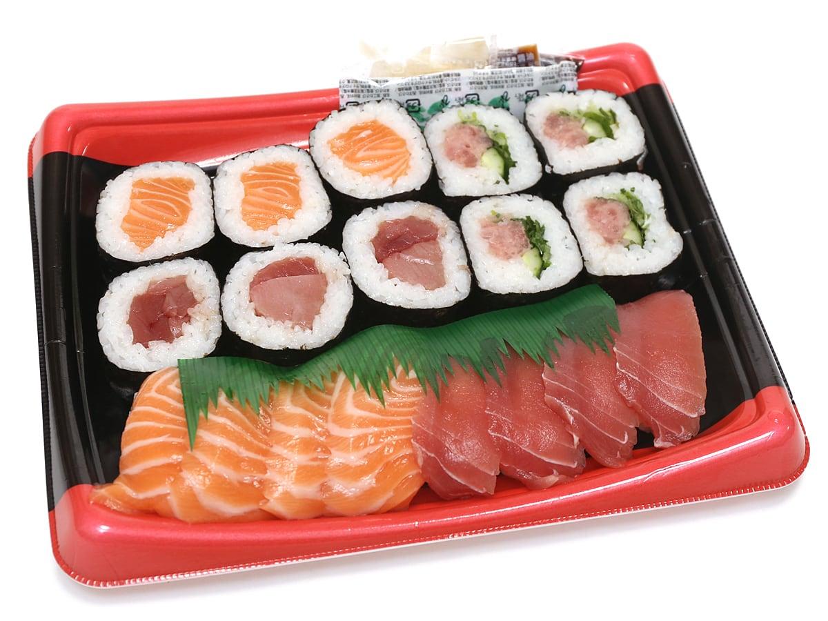 まぐろ3種とサーモン寿司 蓋開封