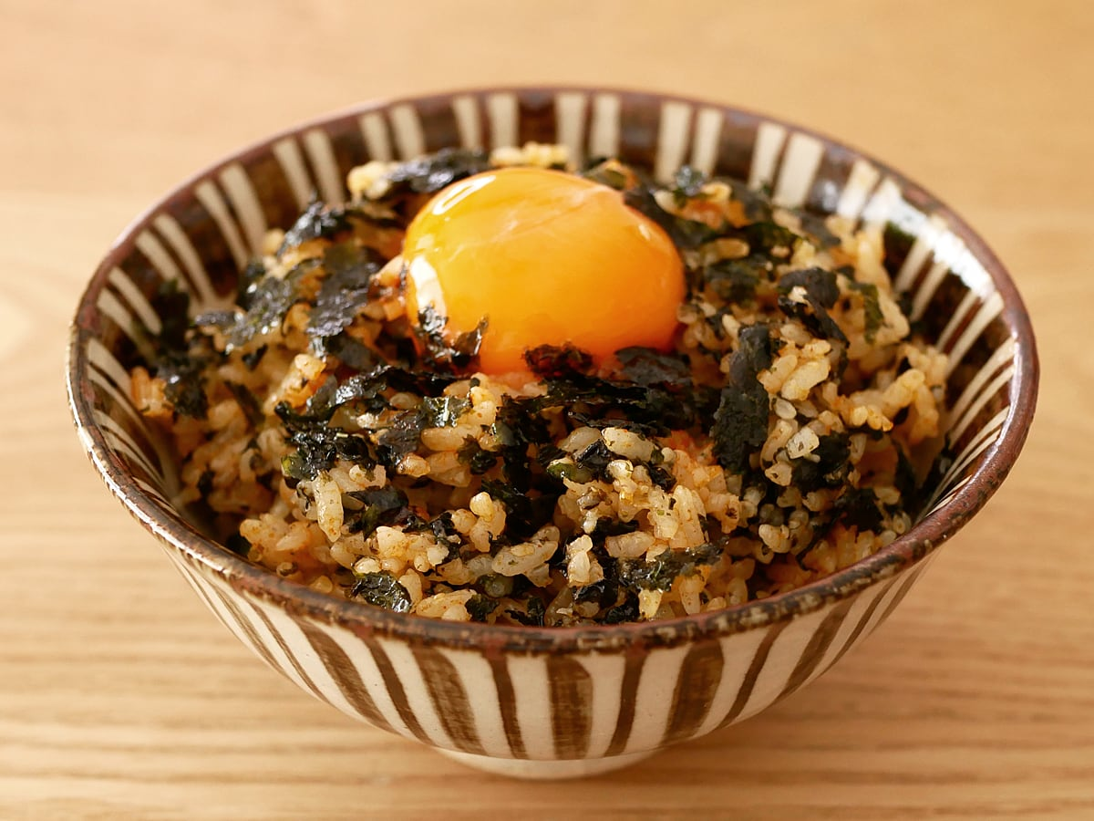 オリオンジャコー ピリ辛元祖ぶっかけ韓国のり 使用例(コチュジャンと卵黄)
