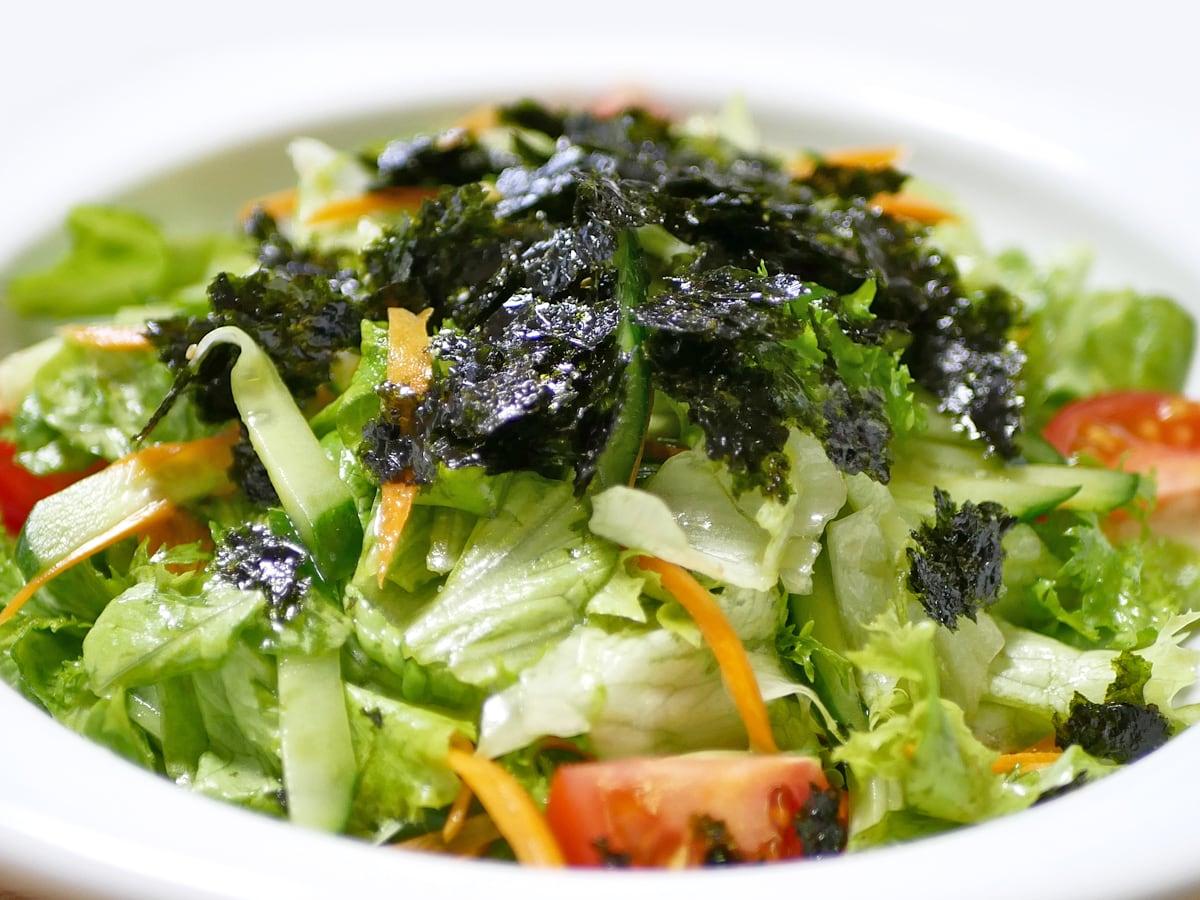 オリオンジャコー ピリ辛元祖ぶっかけ韓国のり 使用例(チョレギサラダ)