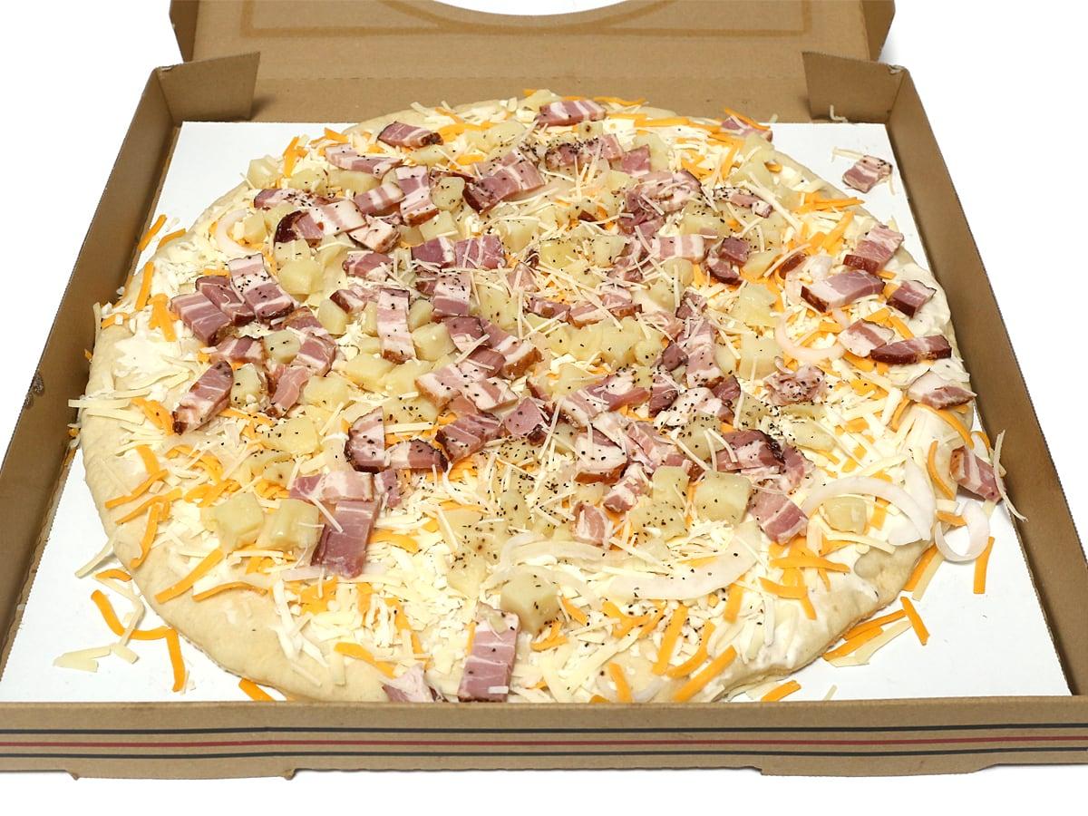 丸型ピザ スモークベーコン&ポテト 開封