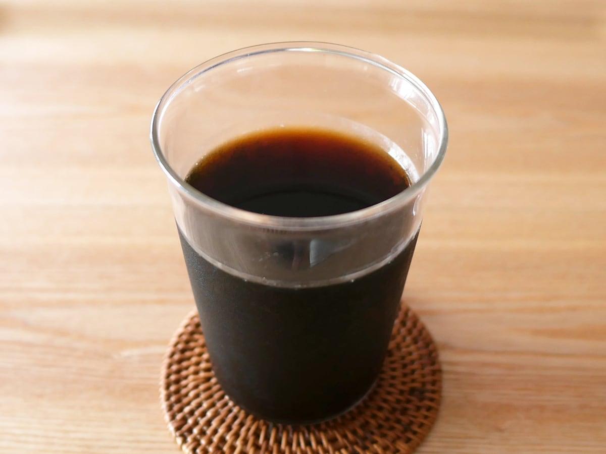 ハマヤ 水出しアイスコーヒー 16袋 グラスに注いだ