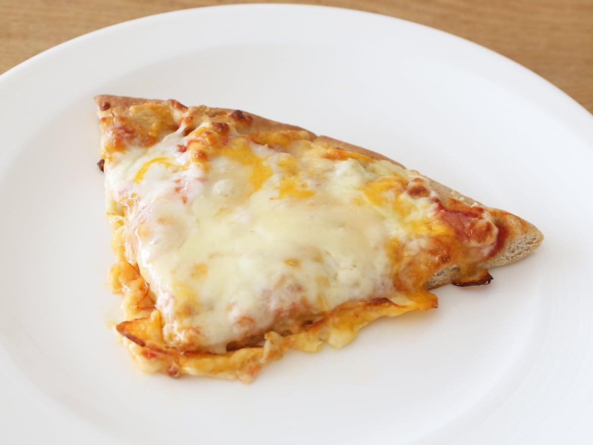 6色チーズピザホールウィート 焼いた