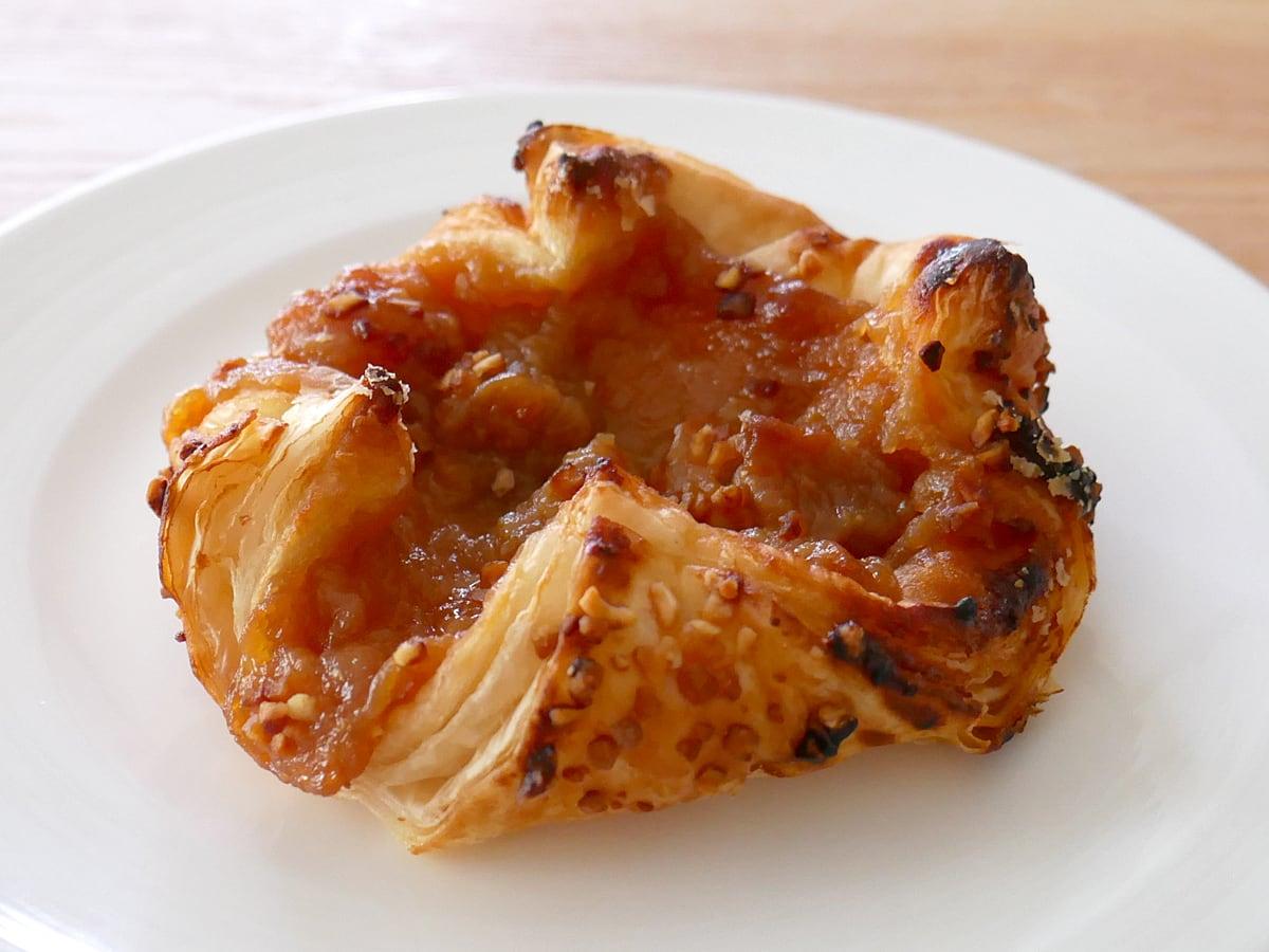 アップルキャラメルデニッシュ トースターで温めた