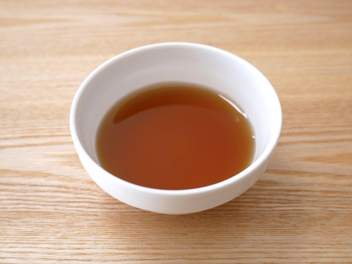 カークランドシグネチャー オーガニックメープルシロップ 1L 中身(色味)