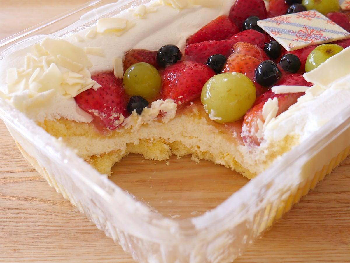 ホリデーフルーツフロマージュケーキ(コストコクリスマスケーキ2020) 断面