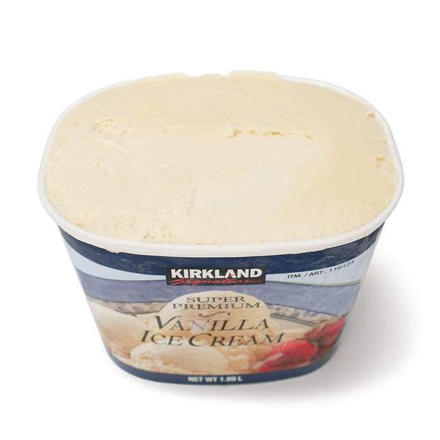 カークランドシグネチャー スーパープレミアムバニラアイスクリーム  蓋を開けた様子