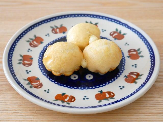 MaisonDEFROIDMONT ミニフレンチブリオッシュ レンジで温めた(お皿に盛り付け)