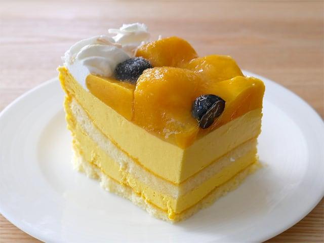 マンゴームーススコップケーキ 冷凍したものを解凍したケーキ