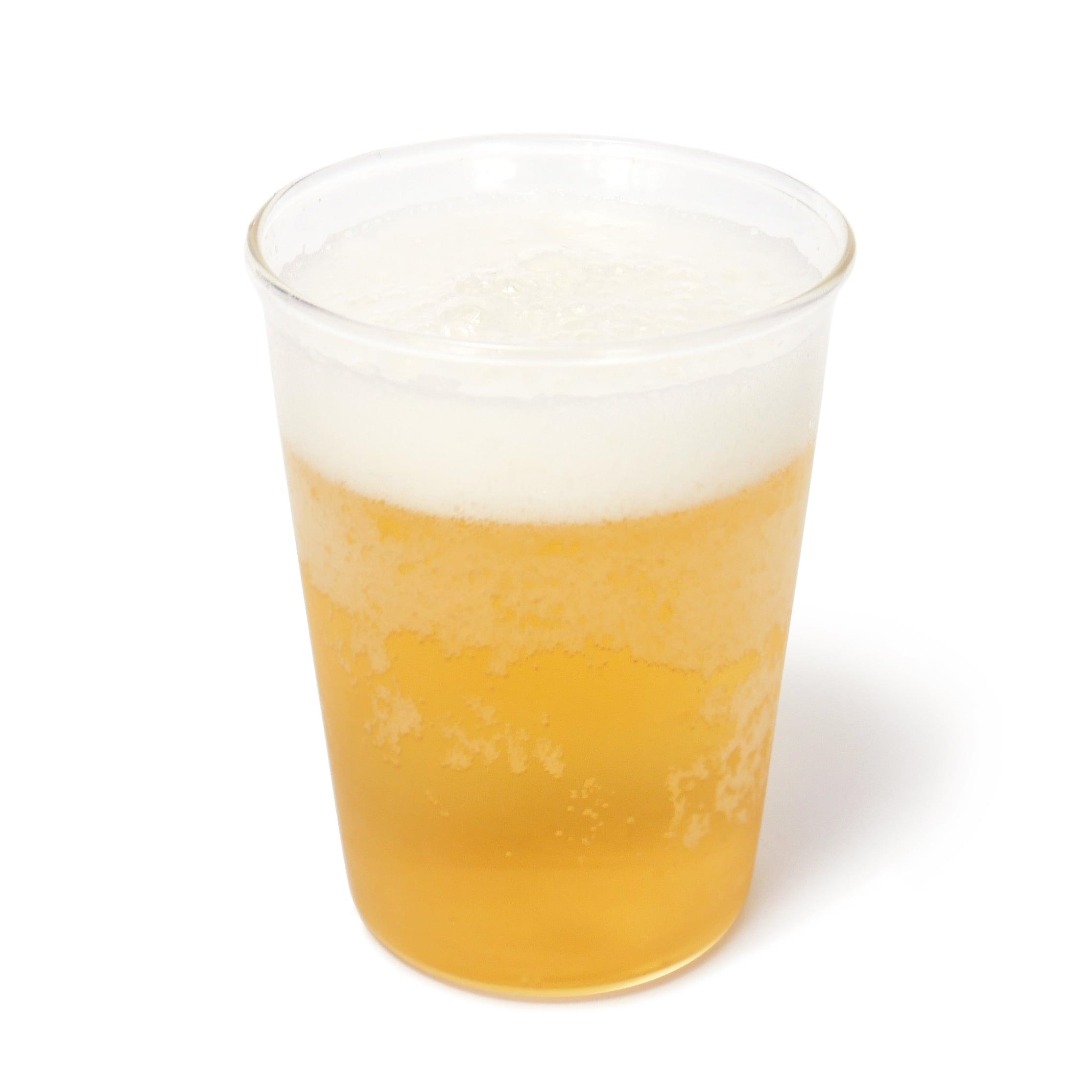 ヴォルファスエンゲルマン グルンベルガー ラガービール グラスに注いだ