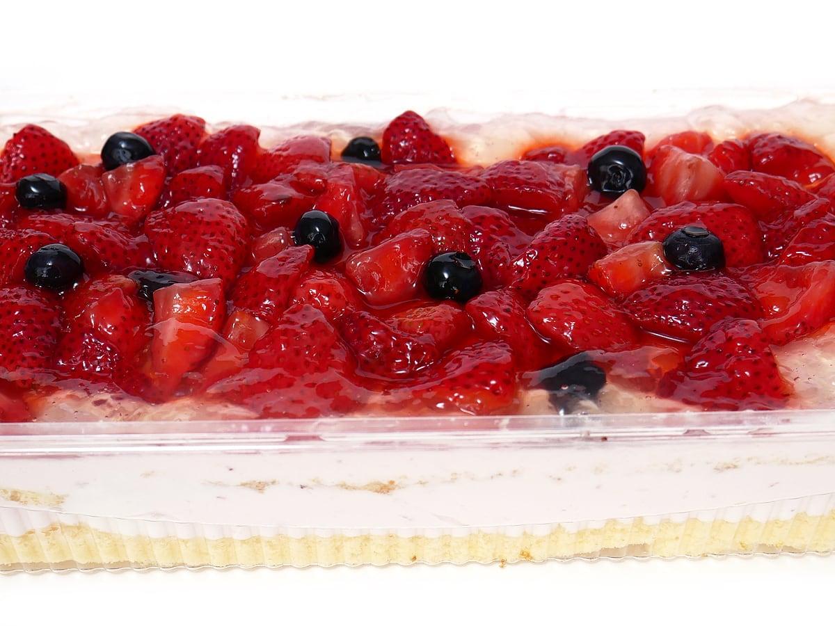 ダブルストロベリーケーキ アップ