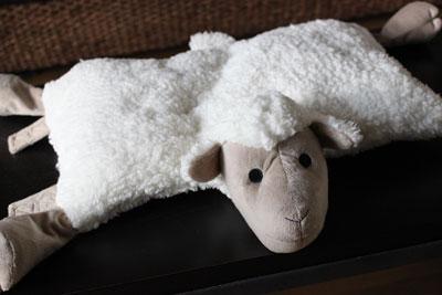 シャーパ(sherpa)羊のクッション